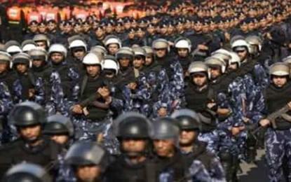 Analysis: Hamas not afraid of Egypt ban/ By Khaled abu Toameh